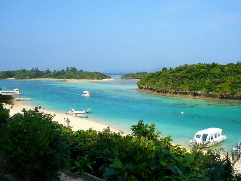Kabira bay in Ishigaki, Japan Tours, RediscoverTours.com